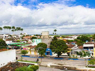 Na contra mão do Estado, Sapé mantém feriado do São João e flexibiliza bares e restaurantes