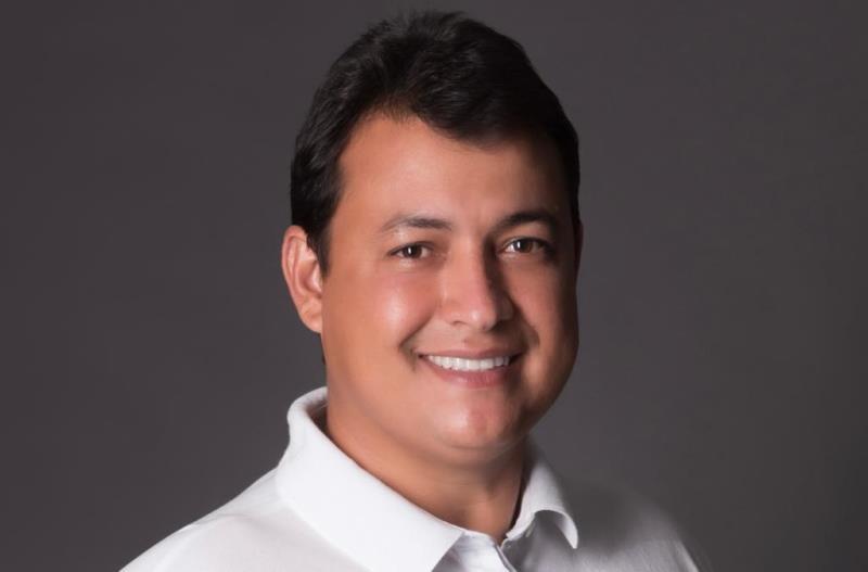 Flavinho Feliciano comemora liberação de emenda de R$ 90 mil para calçar ruas em Sapé